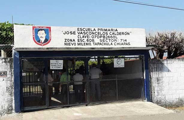 Canallas; amagan con quemar escuelas, con niños adentro, en Chiapas
