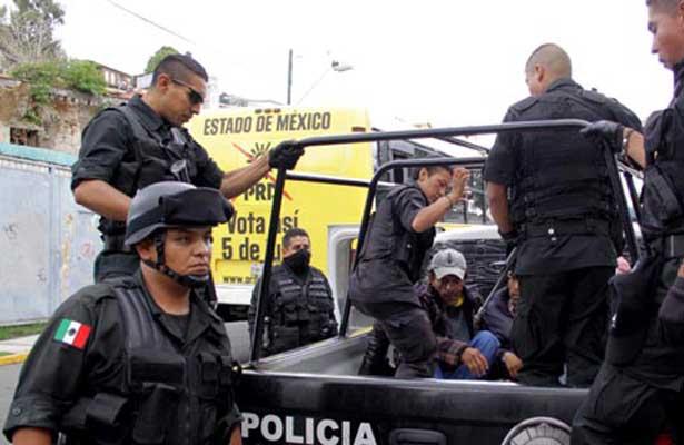 Rescatan a mujer secuestrada en Los Arcos, Naucalpan