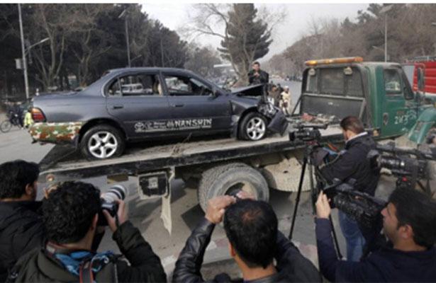 Mueren ocho personas en atentado suicida en capital afgana
