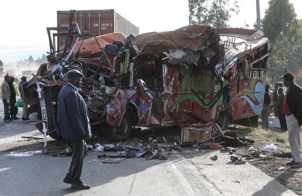 Accidente vial en Kenia deja 36 muertos y decenas de heridos