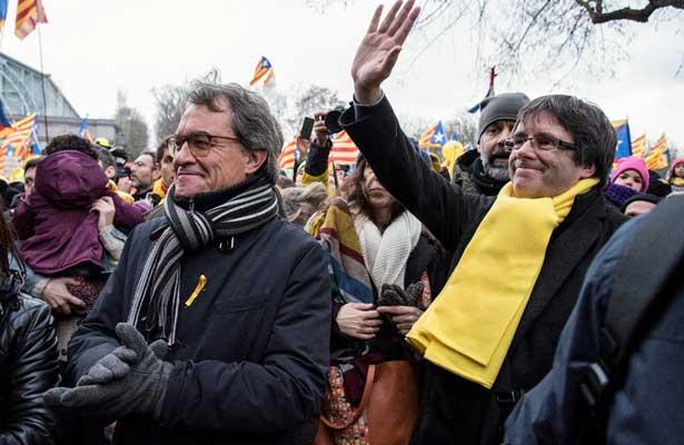 Miles de catalanes tomas las calles de Bruselas