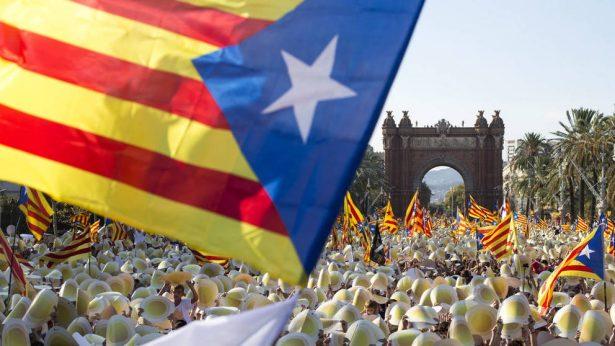Independentistas catalanes obtienen mayoría absoluta de escaños con el 84% de votos escrutados