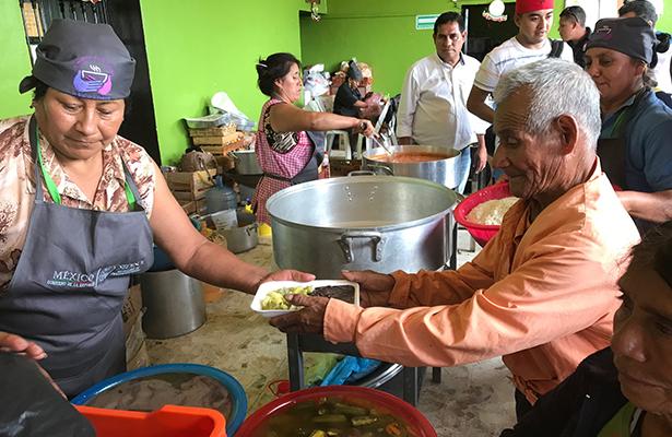 Surte Diconsa más de 140 mil toneladas de alimento a comedores comunitarios de Sedesol
