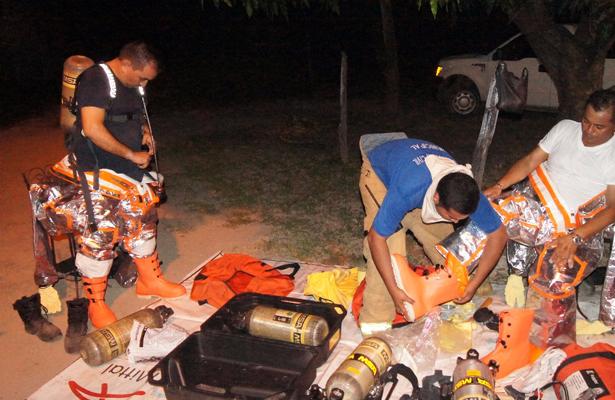 Autoridades controlan fuga de contenedores con gas