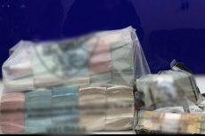 Detenido, transportar divisa extranjera mayor a 8 millones de pesos