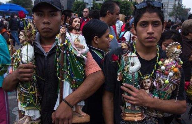 Feligreses provocan caos en Reforma