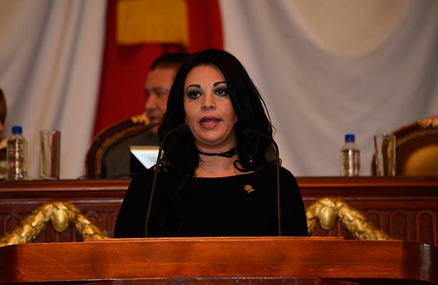 Al fin se estrena en Iztapalapa la aldea digital ante la insistencia de la diputada Janet Hernández Sotelo
