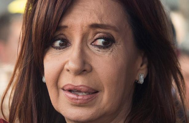 Piden arrestar a Crista Fernández, la acusan de 'traición a la patria'