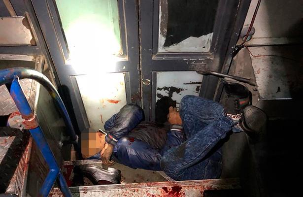 No le salió el tiro a ratas en autobús, uno murió