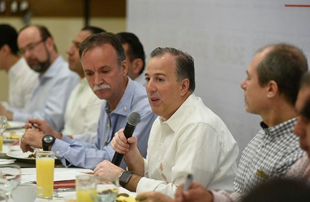 José Antonio Meade se reúne en privado con empresarios chiapanecos