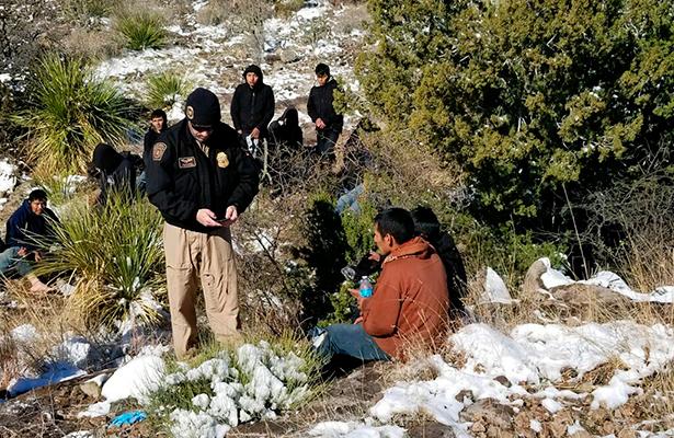 Un migrante muere de frío en desierto de al buscar el sueño americano