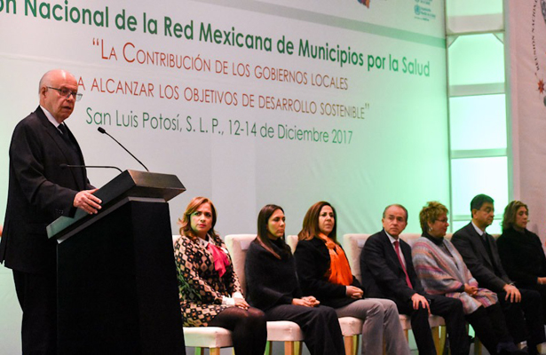 La salud, une y convoca a todos los sectores de la sociedad: Narro Robles