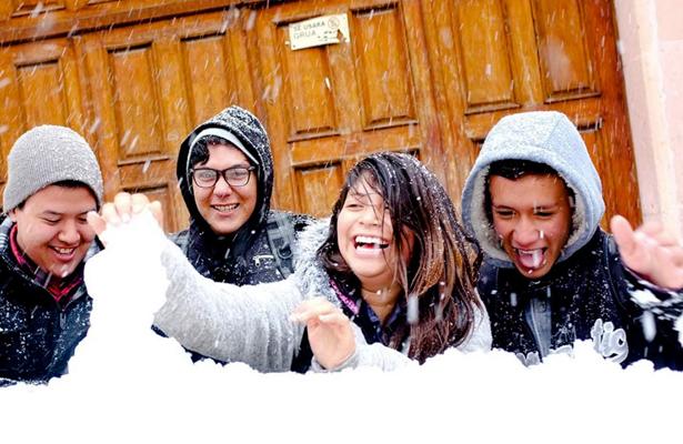 Caen las primeras nevadas en cinco estados del país