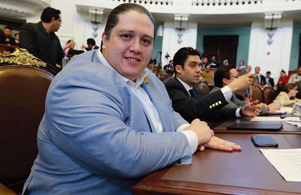 Diputado Luis Mendoza promueve ley para actualizar las capacidades del notariado en CDMX