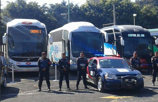 """Policías en terminales de autobuses con operativo """"Éxodo de Vacacionistas 2017"""""""