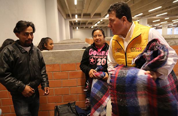 En calma y sin incidentes mayores llegan 420 mil peregrinos a la basílica: Lobo Roman
