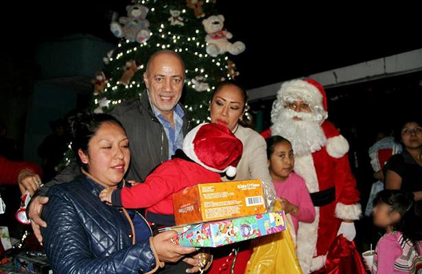 Visita Santa a niños del penal  Santa Martha