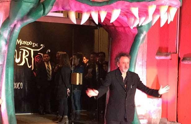Inaugura Tim Burton su exposición en México