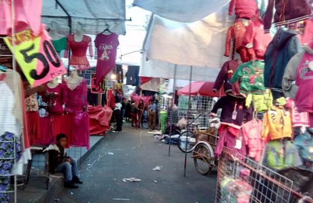 En Chalco cobran a comerciantes tres mil pesos metro cuadrado