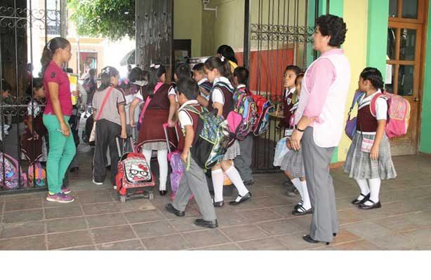 Regresan a clases un millón 500 mil estudiantes en Oaxaca