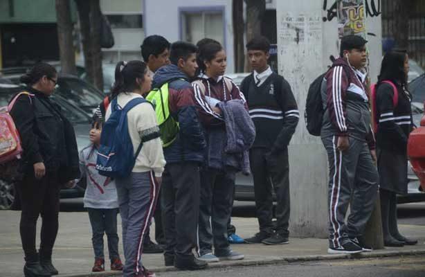 Ante intenso frío  podrían modificarse  horarios en escuelas en Edomex