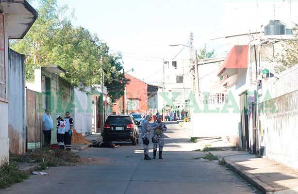 Persiguen y asesinan a tiros a motociclista en Acayucan, Veracruz