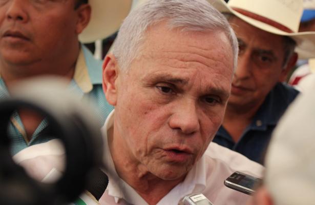 Se registra Aguilar Bodegas como precandidato del Frente a la gubernatura de Chiapas