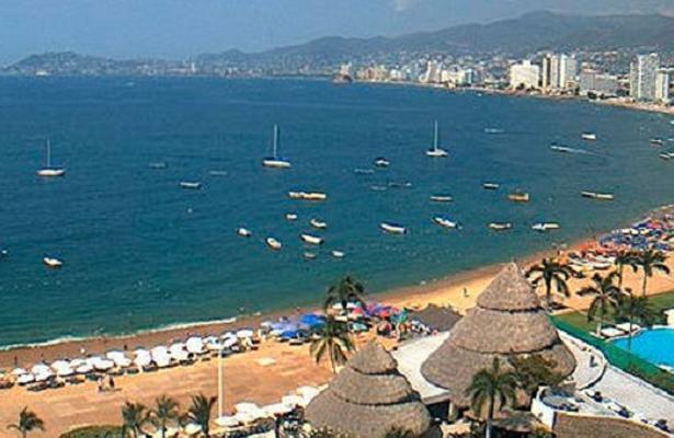 Desaprueba edil de Acapulco la alerta de viaje que emitió EU