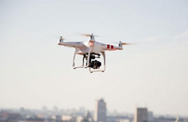 Mancera impulsa regulación de drones en la Ciudad de México