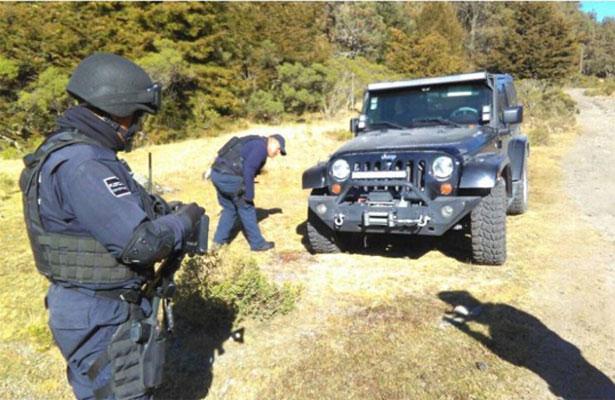 Recuperan camioneta robada en el nevado de Toluca