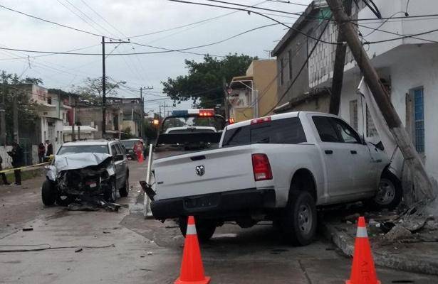 Patrulla protagoniza espectacular accidente en calles de Tamaulipas