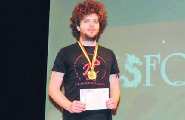 Universitario gana competencia de matemáticas en Ecuador