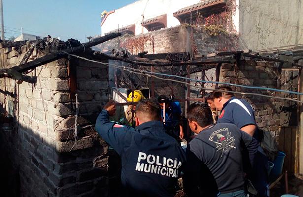 Horrible muerte de dos niños al quemarse humilde vivienda