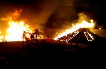 Incendio acaba con el restaurante La Cabaña de Pecos [Video]