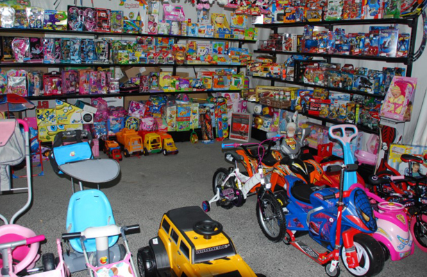 Recomiendan a los Reyes Magos no regalar juguetes con plomo