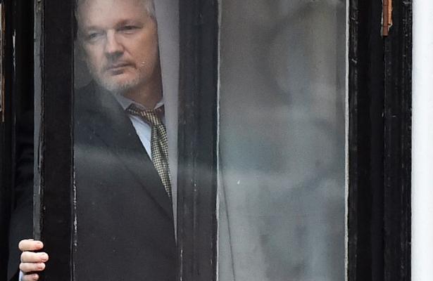 Ecuador concede la nacionalidad a Julia Assange