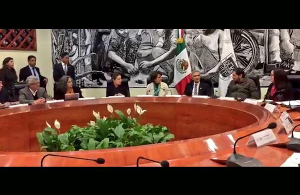 Mancera toma protesta a integrantes de la comisión para la reconstrucción de la CDMX