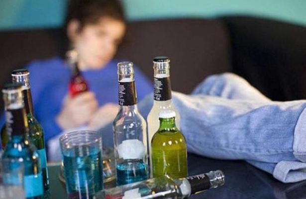 Niños potosinos empiezan a beber alcohol a partir de los 8 años
