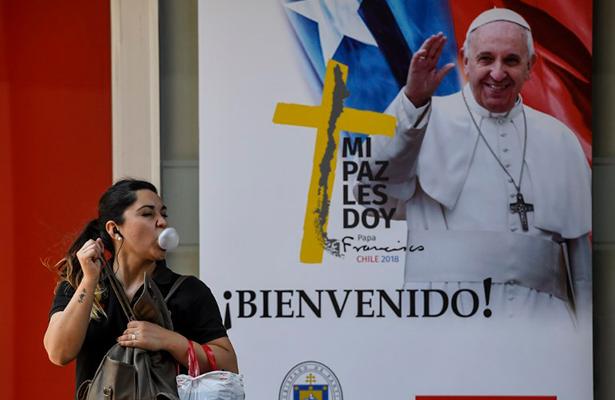 Abusos sexuales en la Iglesia, el estigma que persigue al papa en sus giras