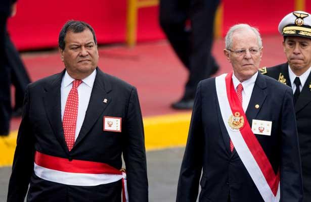 Renuncia ministro de Defensa de Perú tras indulto a Fujimori
