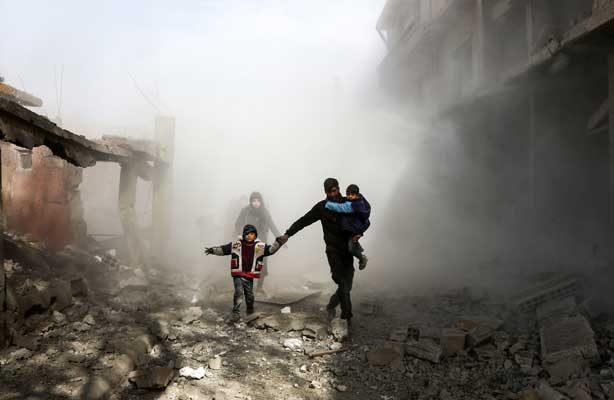 Más de 210 civiles muertos en 4 días de ataques contra feudo rebelde en Siria