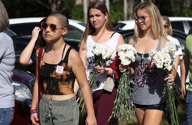 Volver a clases tras el tiroteo de Florida: un desafío emocional