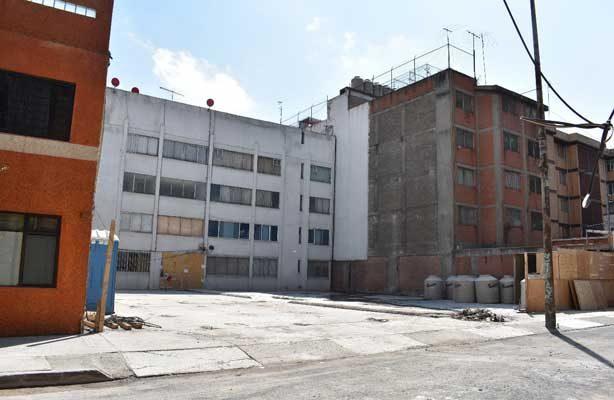 Finaliza demolición en Azores 609