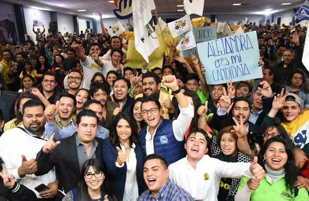 Alejandra Barrales se reúne con jóvenes de Benito Juárez