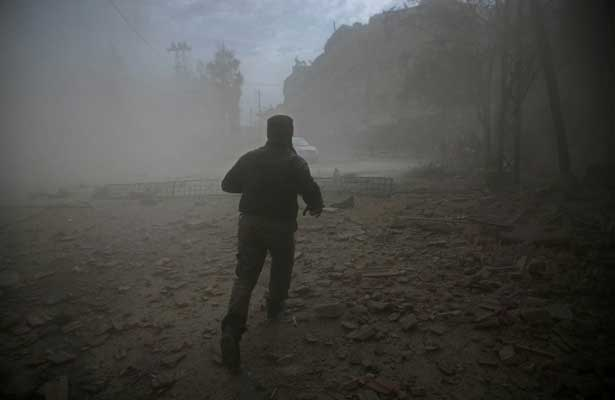 Mueren 47 civiles tras bombardeo sirio cerca de Damasco
