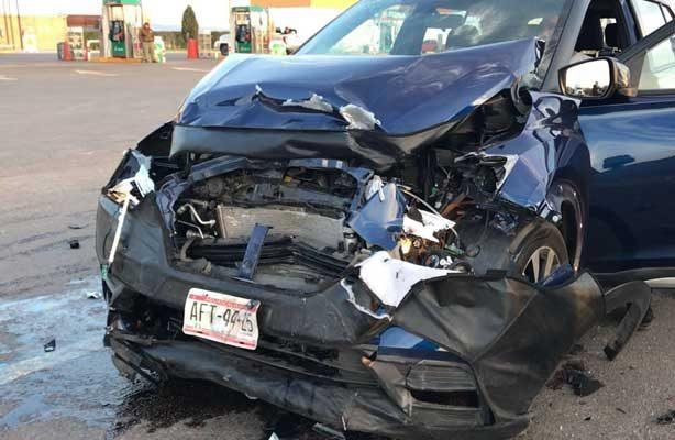 Encontronazo entre dos vehículos en la comunidad hidrocalida de El Sabinal; cuatro heridos