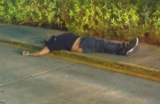 Un muerto y un herido arrojó una balacera en céntricas calles de Huajuapan