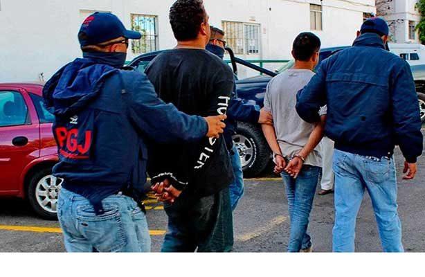 Aseguran a 22 inmigrantes en Huetamo