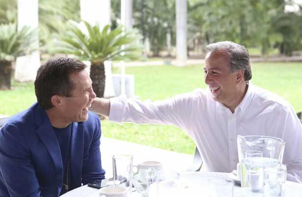 Meade se reúne con Julio Cesar Chávez