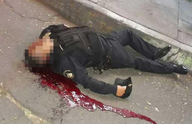 Matan a poli en Azcapo